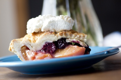 Fresh Nectarine and Blackberry Pie | Nom Nom | Pinterest