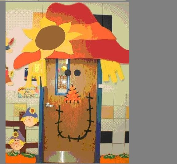 Scarecrow door decoration celebrate fall holidays for Arnal decoration