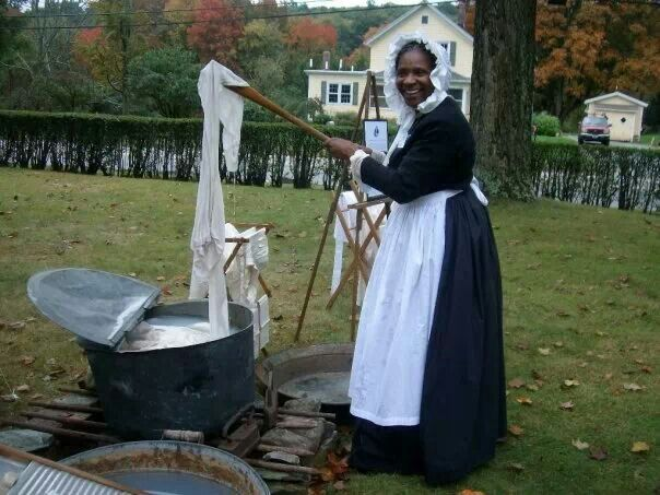 Demo washing clothes in the 1800's