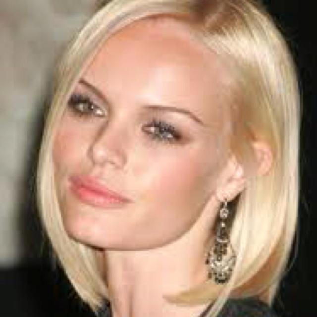 Kate Bosworth solid blonde bob