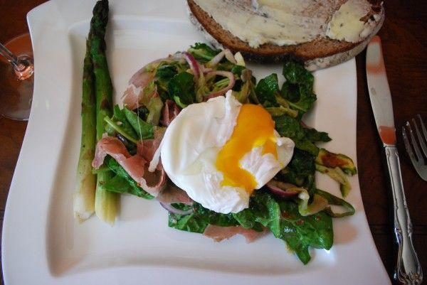 Spinach & Roasted Asperagus Salad with Poached Egg? Yes, please.