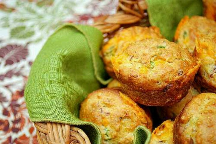 Cheddar & Bacon Biscuits | YUM! | Pinterest