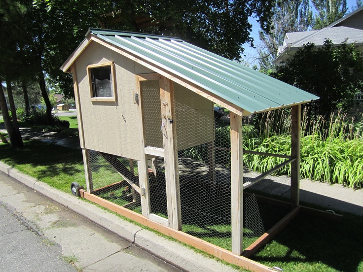 Portable chicken coop off the grid pinterest for Mobile chicken coops