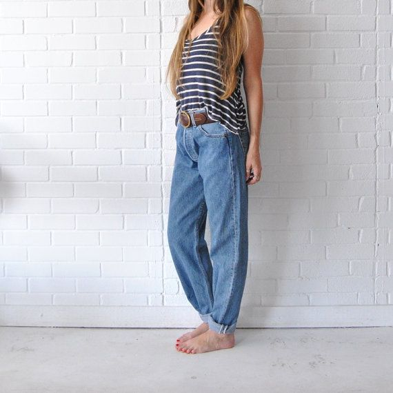 vintage levi 39 s jeans levis high waisted boyfriend jeans. Black Bedroom Furniture Sets. Home Design Ideas