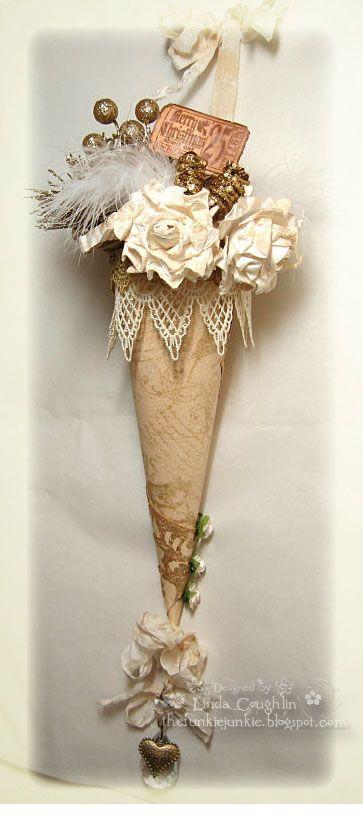 Beautiful paper cone diy christmas 3 pinterest for Beautiful diy christmas ornaments