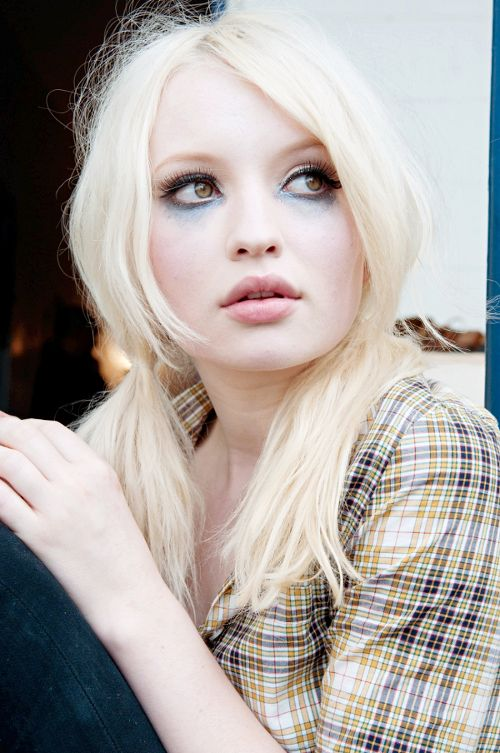 Emily Browning Blonde - Collage Porn Video