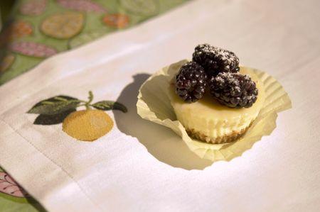 Lemon Cheesecake Cupcakes w/Blackberries | Nothin' but sweets | Pinte ...