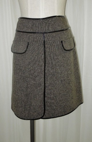 Alexander McQueen Black Tan Taupe Straight Knee-Length Patent Leather Skirt Size L