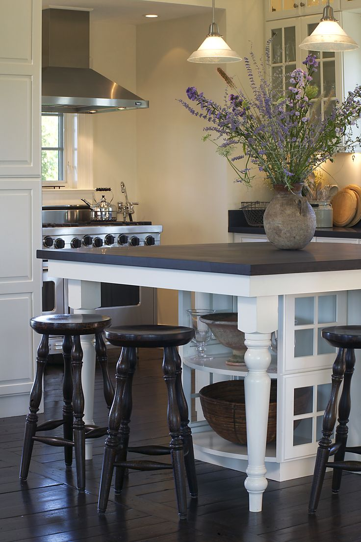 Kitchen Island with slate top I wouldn't want slate, but love the