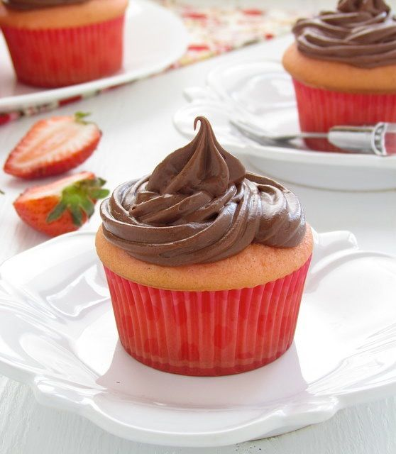 Strawberry Cupcakes With Sour Cream Chocolate Frosting