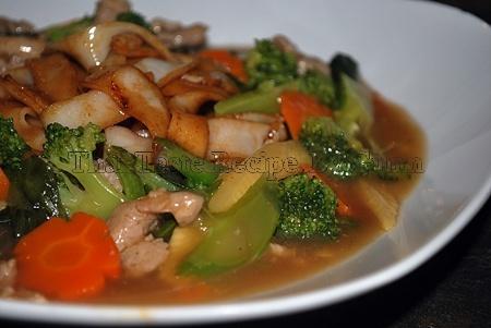 Gravy Noodle (rad na)   Thai taste resipes   Pinterest