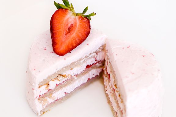 strawberry chiffon buttercream cake recipe | use real butter