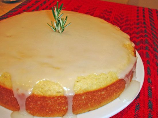 Lemon cornmeal cake...like a Giant Lemon Corn muffin!