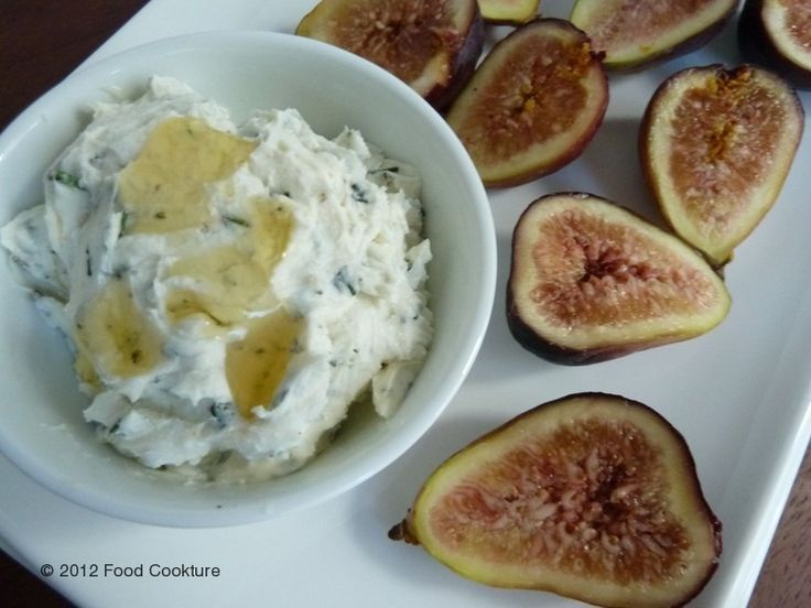 Fresh Figs with Goat Cheese, Rosemary & Honey Spread (gluten-free)