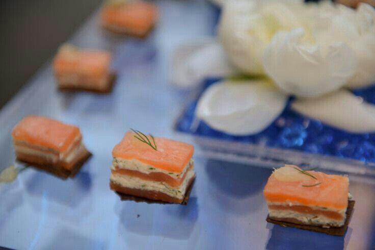 Salmon and cream cheese mini bites | Mini bites | Pinterest