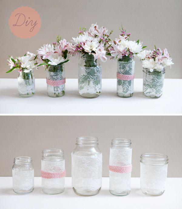 Potinhos de vidro transformados em lindos vazinhos de flores! :)