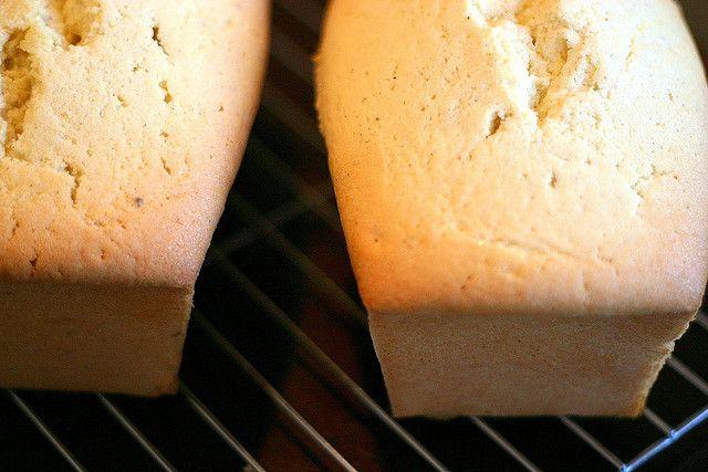 Vanilla Bean Pound Cake (Smitten Kitchen)
