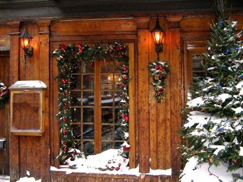 A country cottage christmas country christmas 2014 for Country cabin christmas