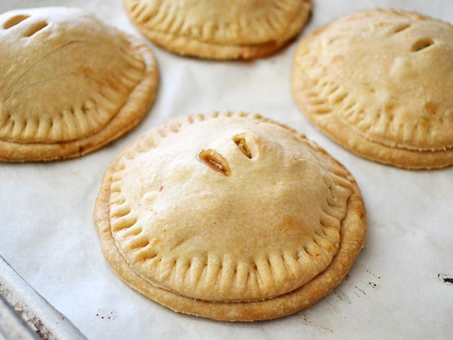 apple cranberry hand pies | I love baking!!! | Pinterest