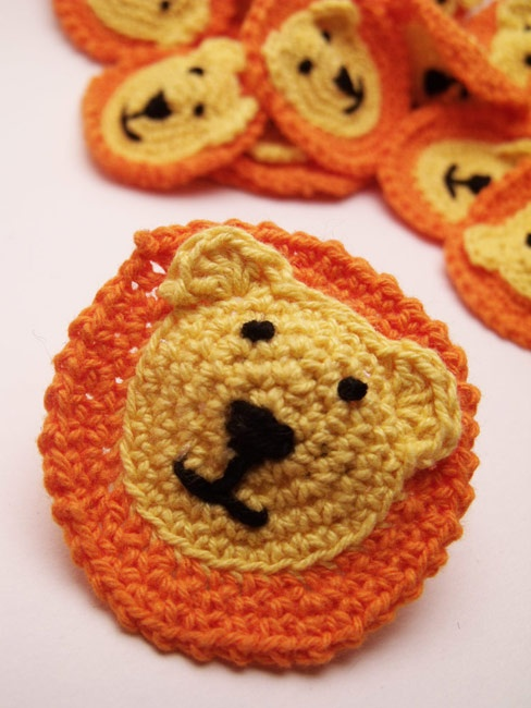 Crocheted Lion heads. Woolipip Pinterest