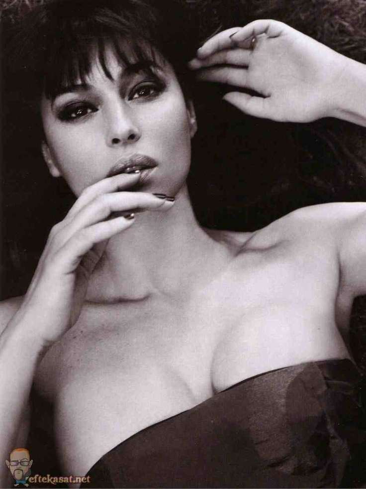 Monica Bellucci Vanity Fair Spain 5 - Hot Girls Wallpaper