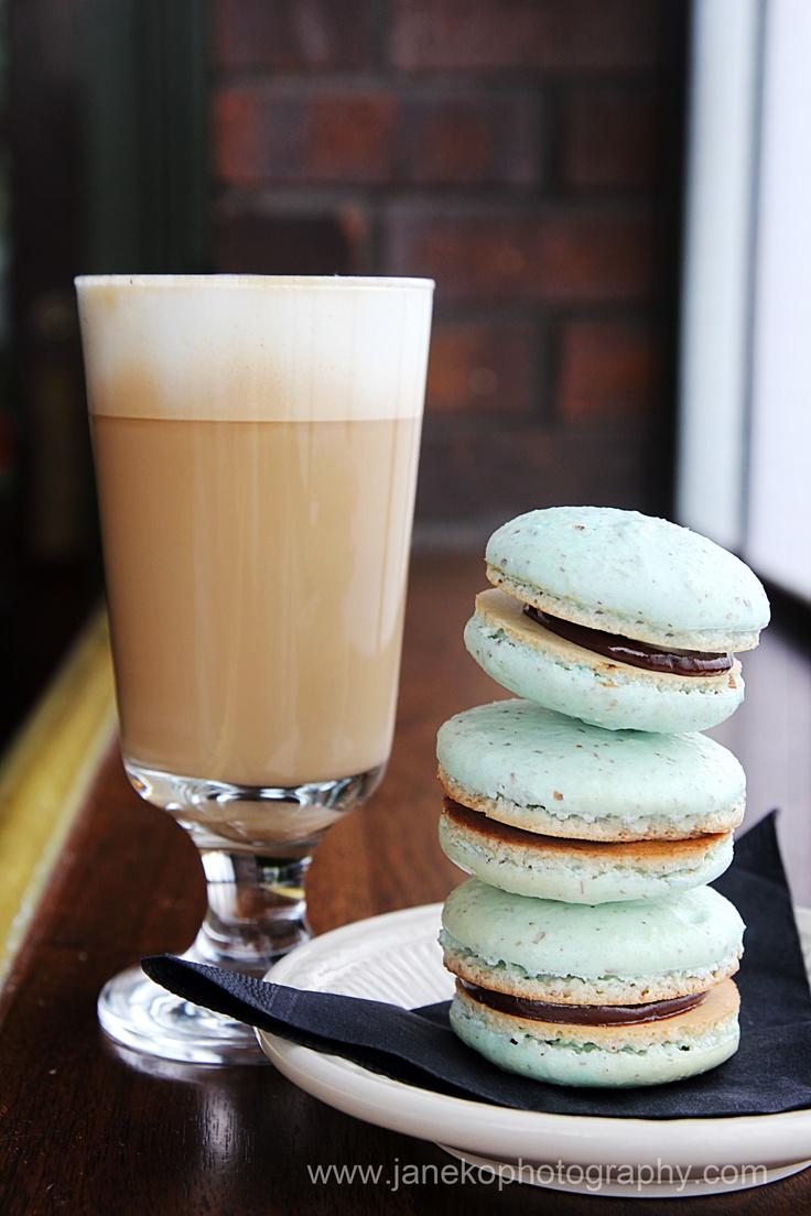 Macarons & coffee | Macaron | Pinterest