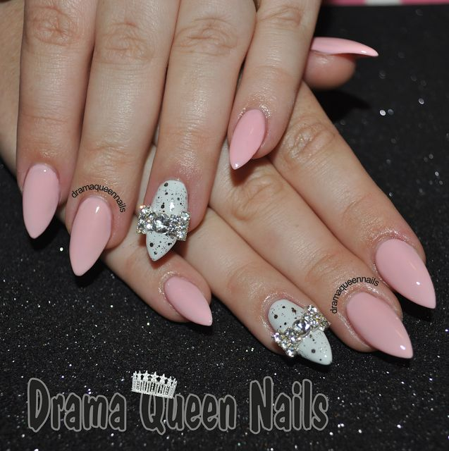 almond nails...cute