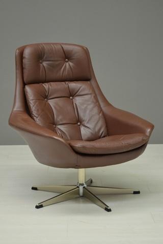 Bruine fauteuil / Brown arm chair 19363  Kleine Woning  Pinterest