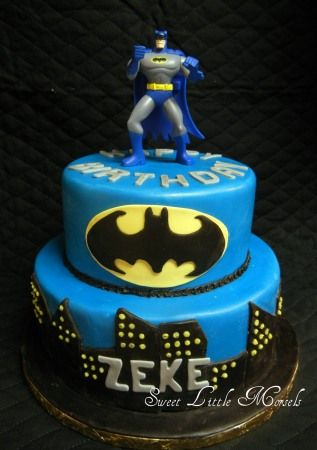Batman Cake>> if Gemma is still obsessed with Batman I totally have to make her a batman cake for her bday :)