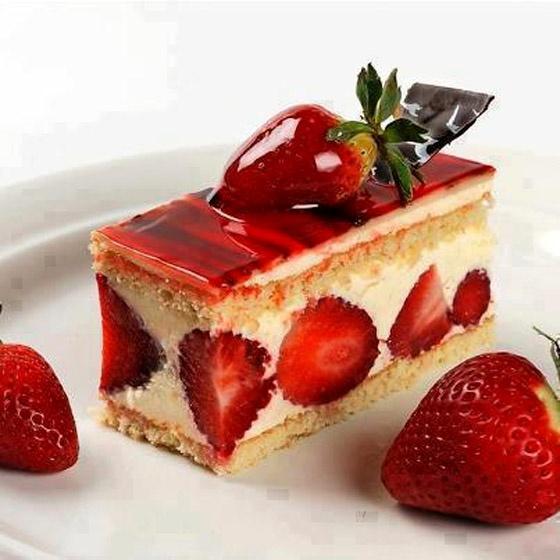 Strawberry Sour Cream Cake | desserts | Pinterest