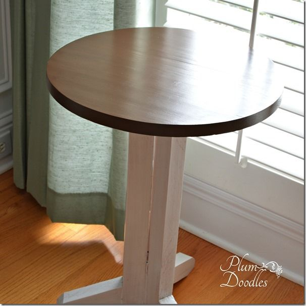 DIY End Table from 2x4s- PlumDoodles.com | DIY BOARDS | Pinterest