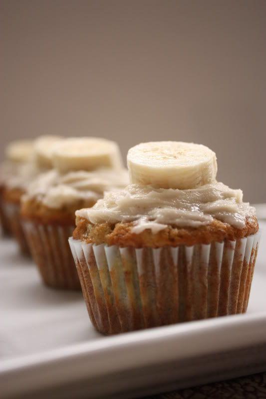 banana cupcakes with honey cinnamon frosting...yum!
