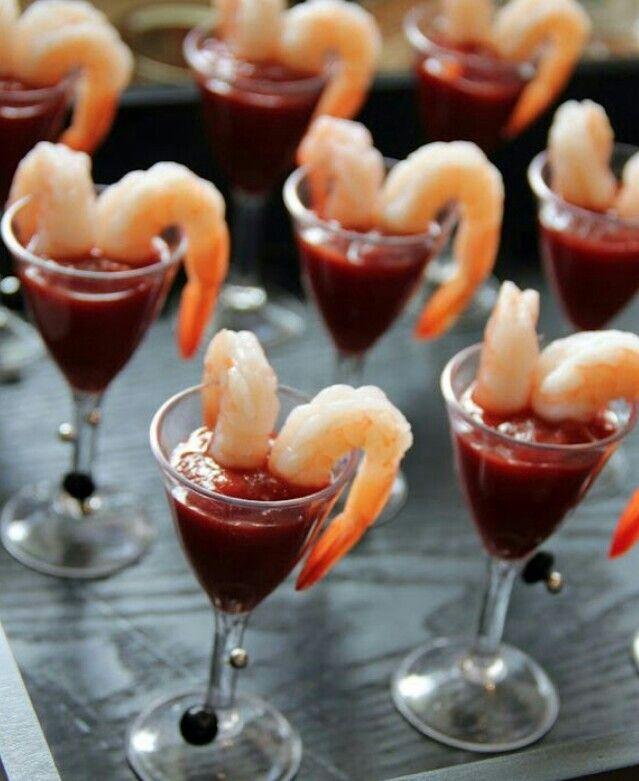Mini shrimp cocktail wedding inspiration pinterest for Mini prawn cocktail canape