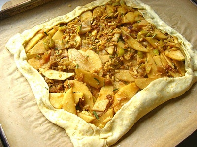 Apple Cheddar & Leek Tart | Straight to the Hips | Pinterest