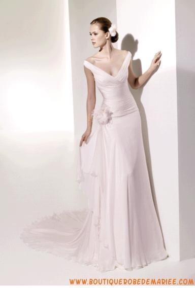 Robe de mariée glamour col V mousseline  Robe de mariée  Pinterest