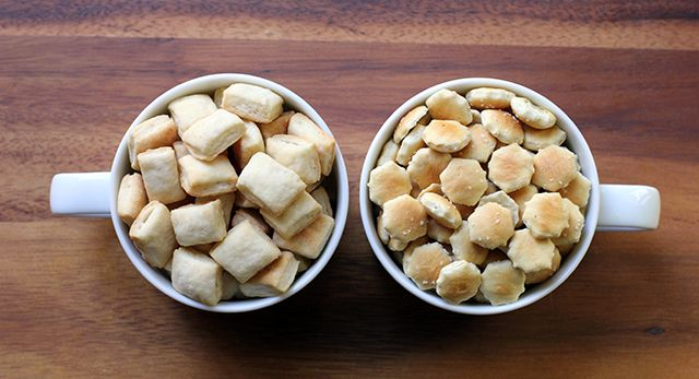 DIY Oyster Crackers: The comparison | Recipes to try | Pinterest