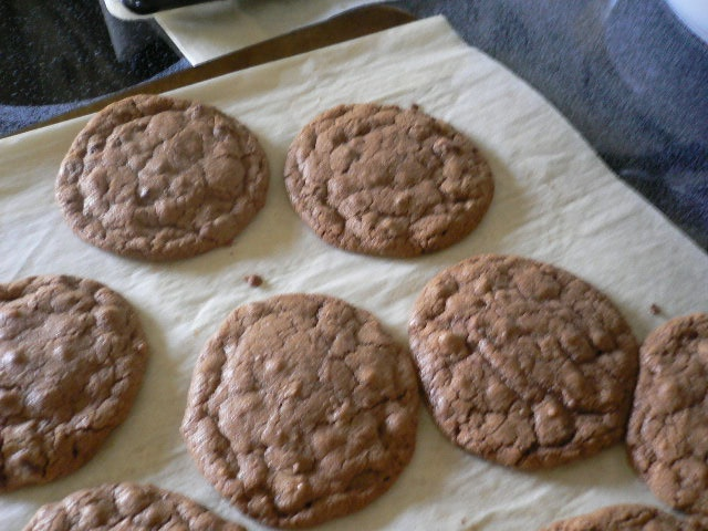 Pb & Nutella cookies! 1 c. peanut butter 1c. nutella 2c. sugar 2 eggs ...