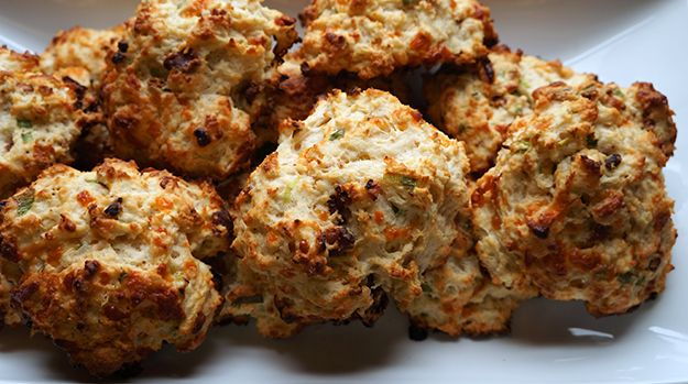 maple bacon cheddar drop biscuits recipe - Live. Laugh. Cook.