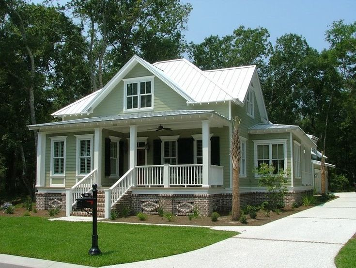 Small coastal craftsman for the home pinterest for Cabins cottages and bungalows