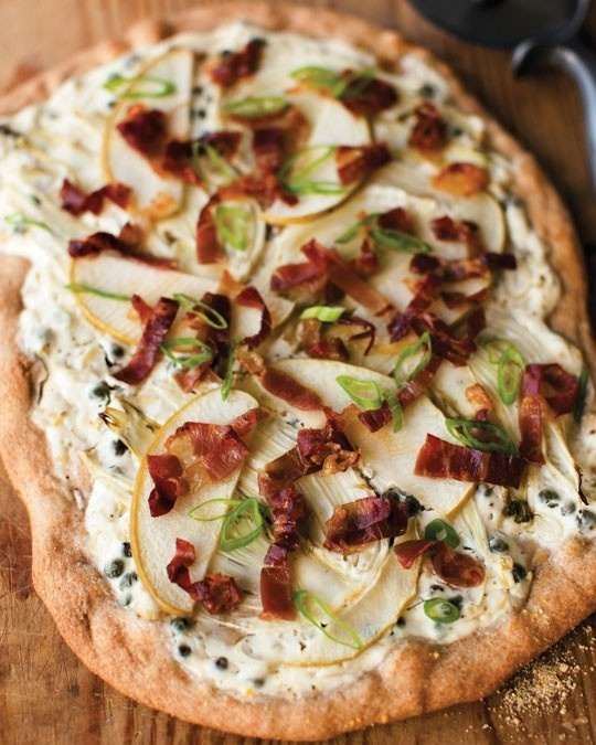 yum! fennel, prosciutto, and apple spelt crust pizza