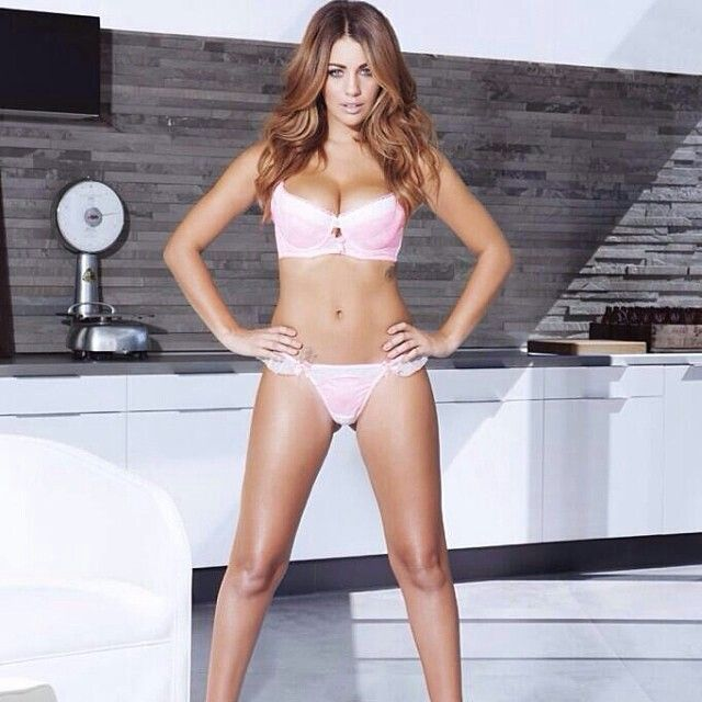 Holly Peers | Sexyness | Pinterest