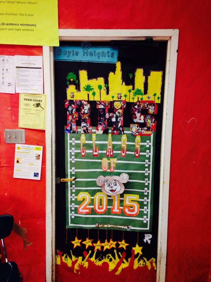 door decorating contest spirit week with selfies first place