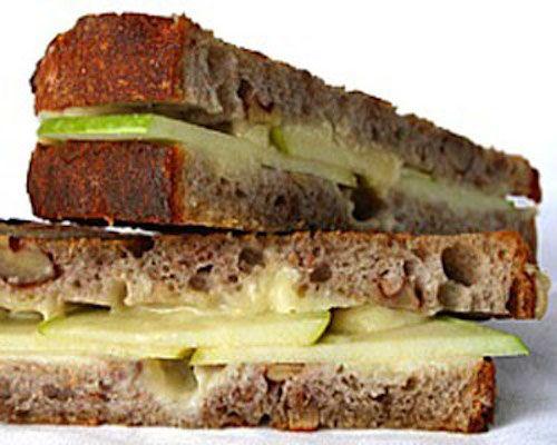 Skinny Apple Cinnamon Rasin Grilled Cheese sandwich | Skinny Mom ...