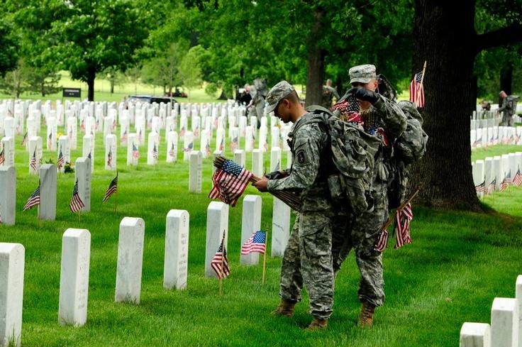 memorial day grave flag