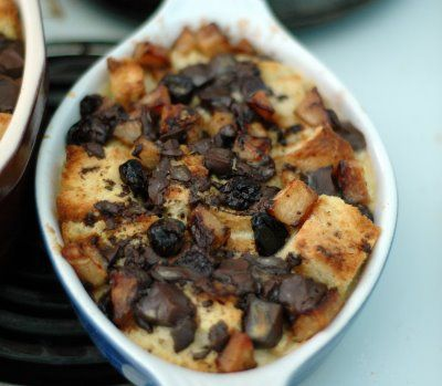 Cafe Johnsonia: TWD: Four Star Chocolate Bread Pudding