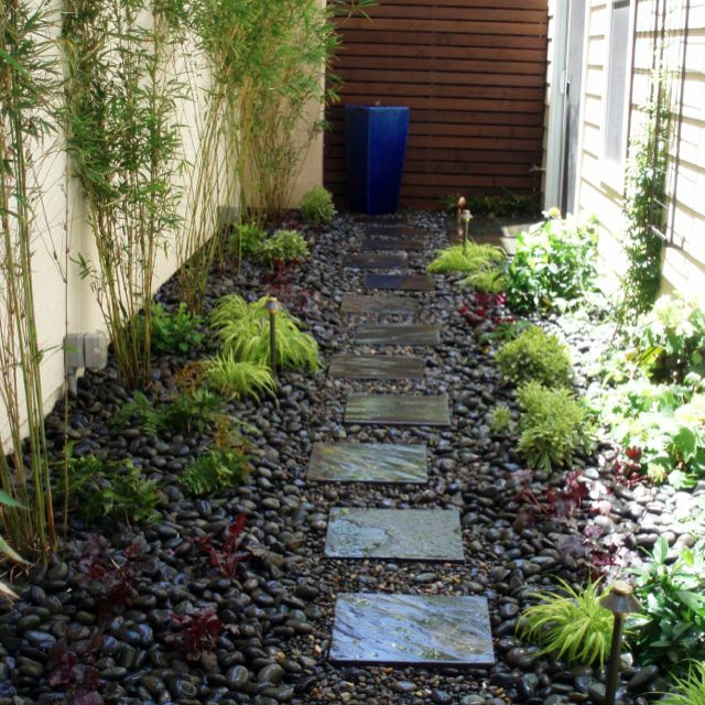 Narrow garden ideas my house dreams pinterest for Ideas for landscaping my garden