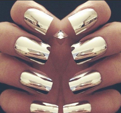 chrome nails. hot!