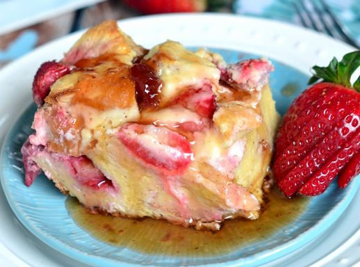 Strawberry Cheesecake French Toast Bake! | Food & Drink | Pinterest