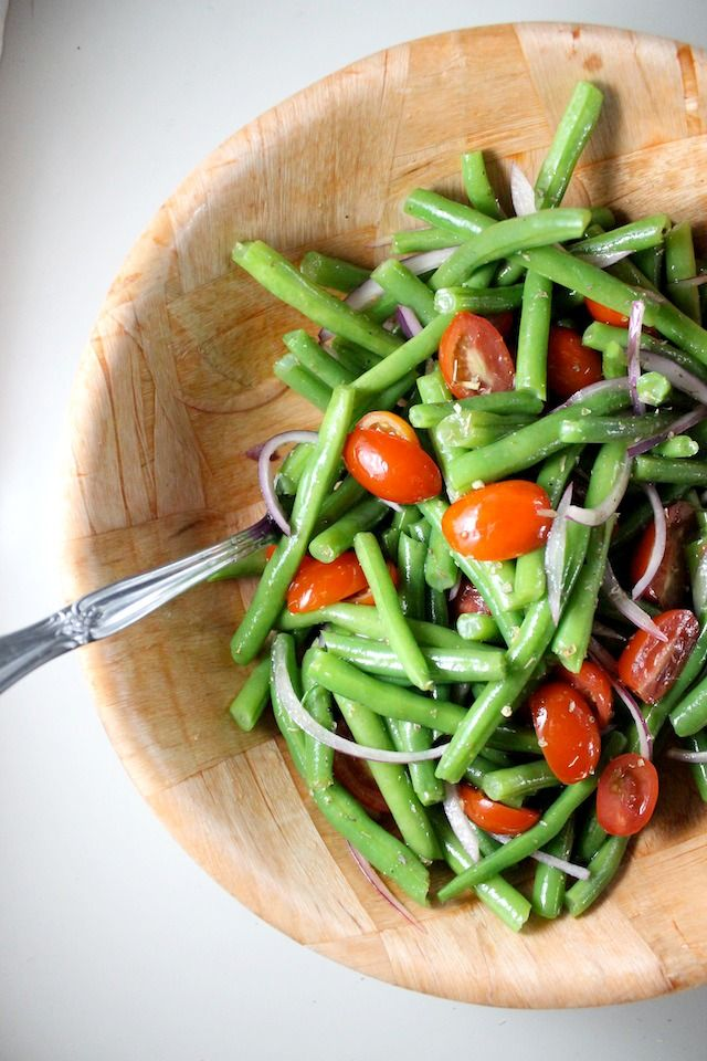 Cold Green Bean Salad with Cherry Tomatoes, Red Onion, Oregano and Red ...