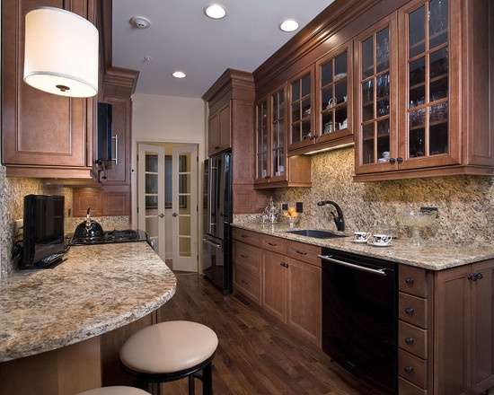 Chicago Traditional Small Kitchen Design